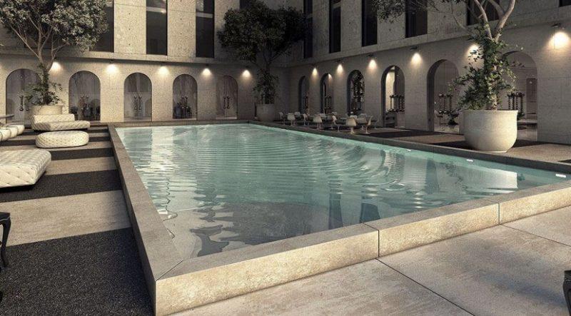 حمام سباحة كريستال بلازا