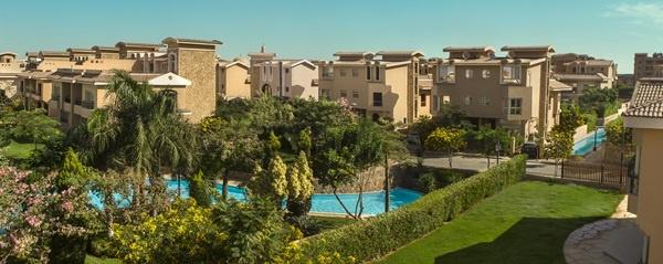 معلومات مفصلة عن مزايا السكن في كمبوند ريفر ووك بالقاهرة الجديدة