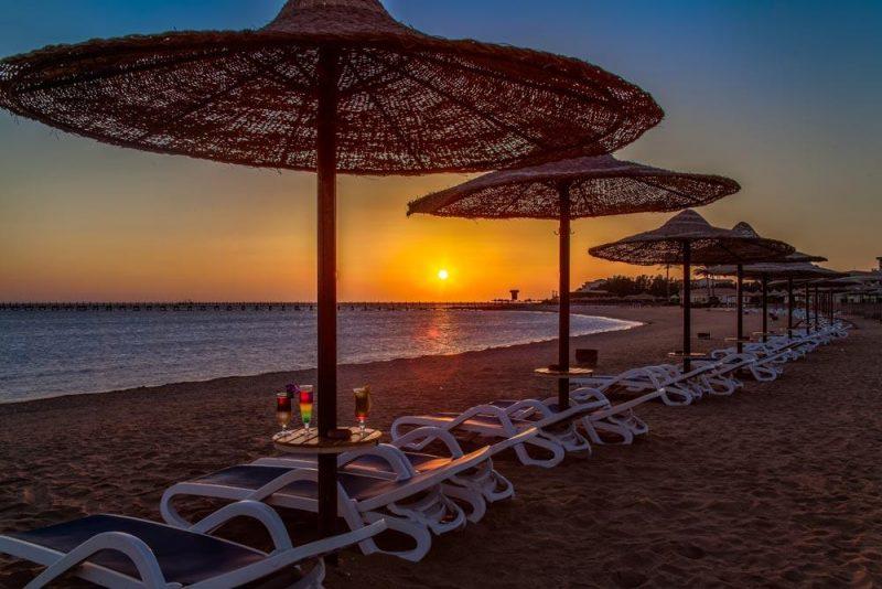 شاطئ منتجع فانتازيا