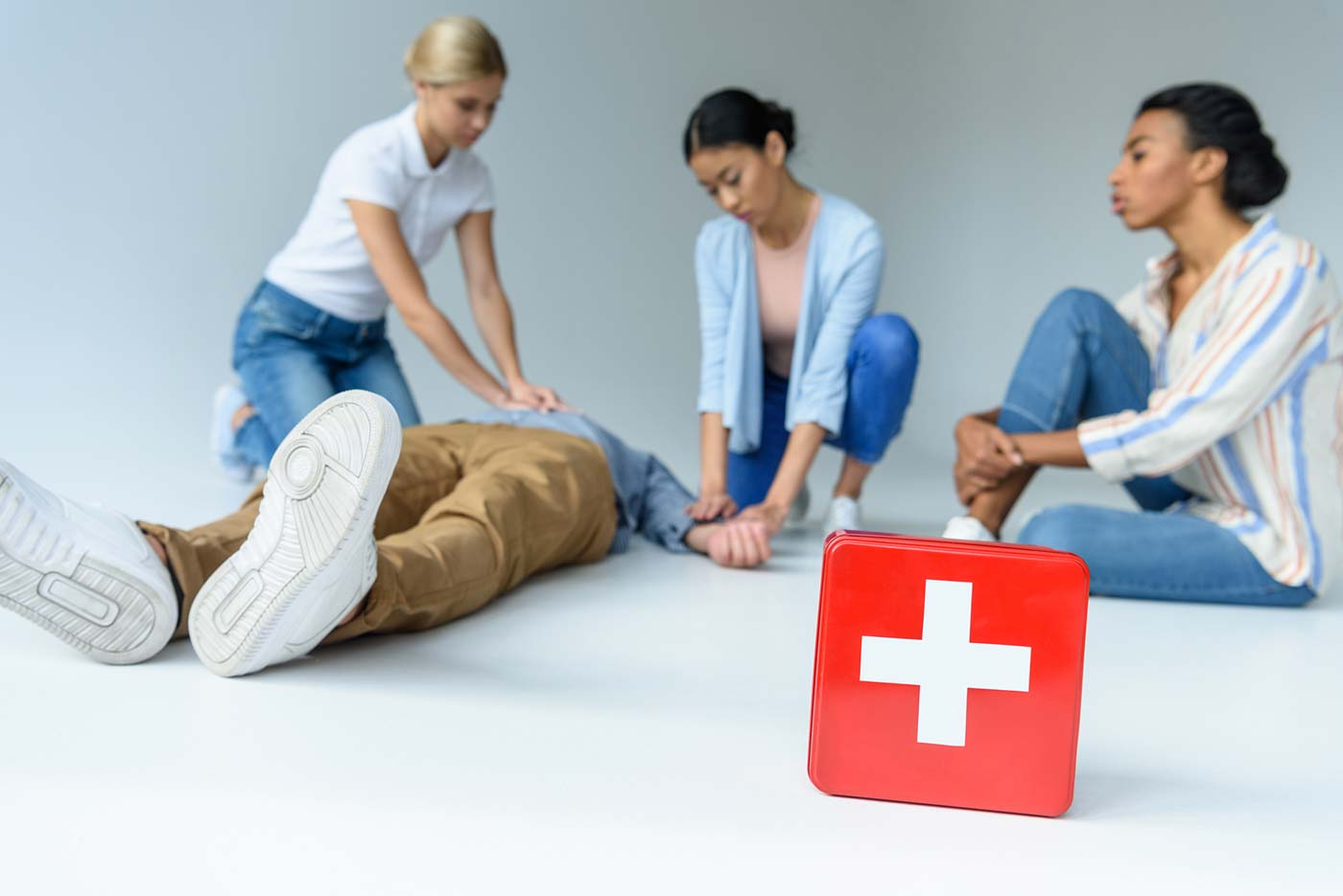 أهم ما يلزم لعمل صيدلية إسعافات بالمنزل